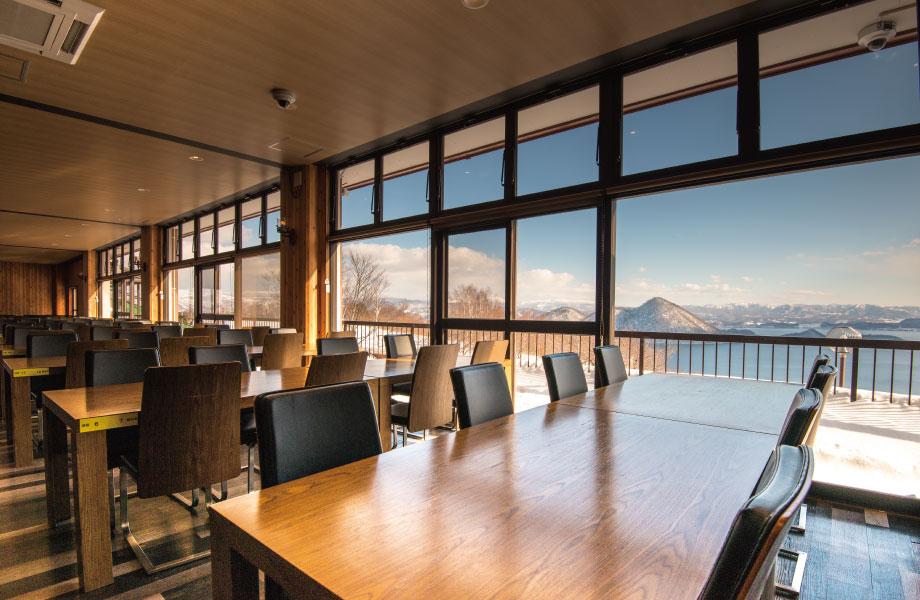 洞爺湖を一望出来る2Fレストランの窓際