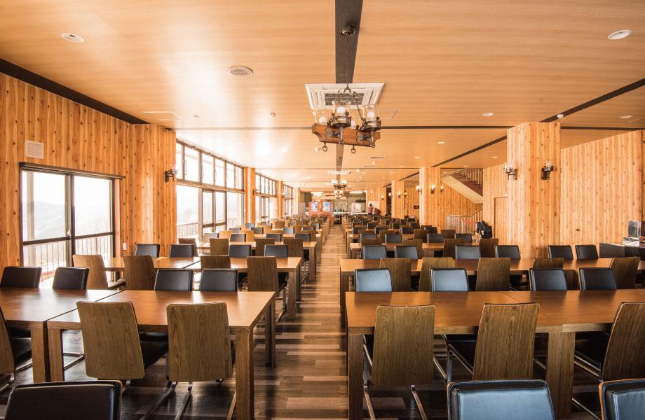 洞爺湖を一望出来る2Fレストラン全体風景
